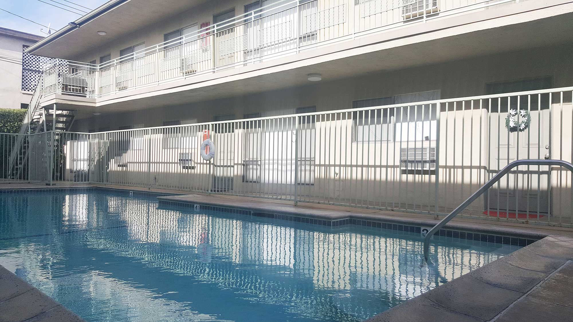 Palma Imperial Apartments community pool